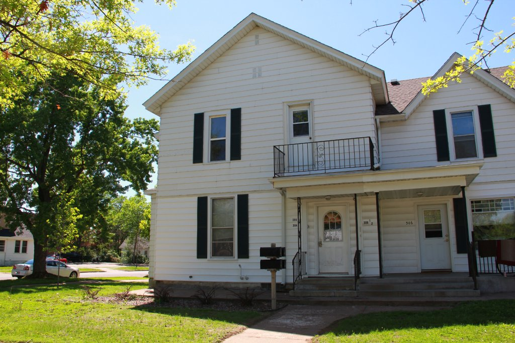 304 5th Ave Uwec Student Apartment For Rent