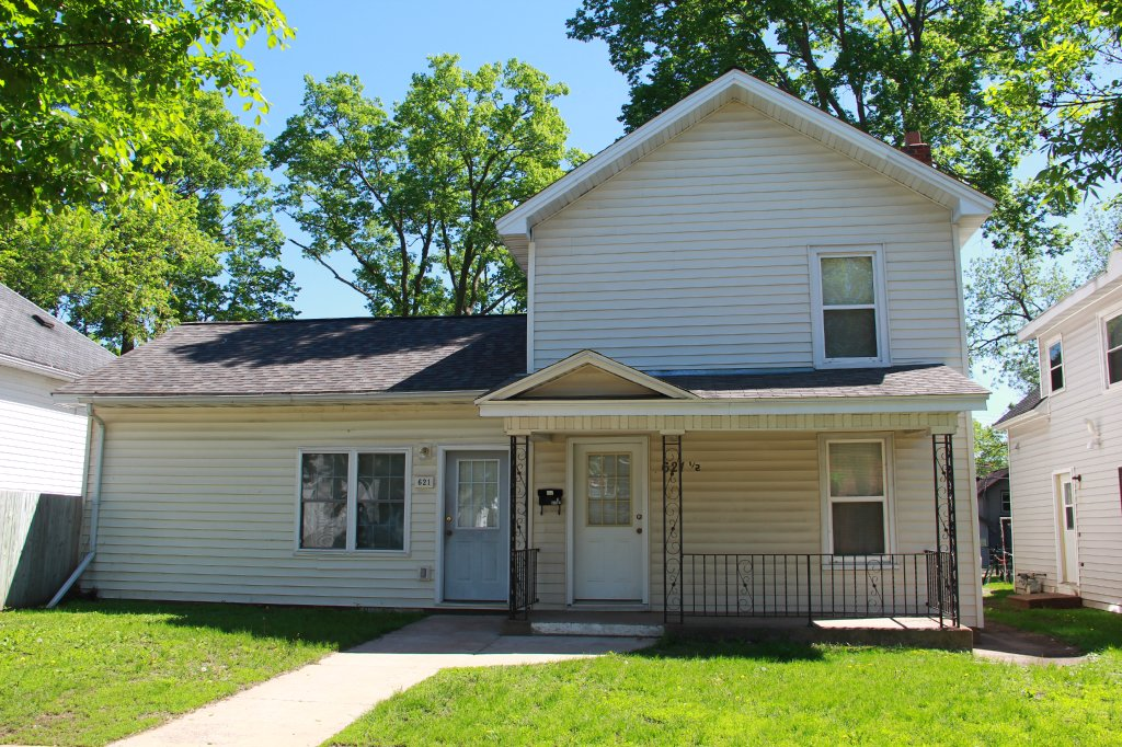 621 1 2 water st uwec student apartment for rent