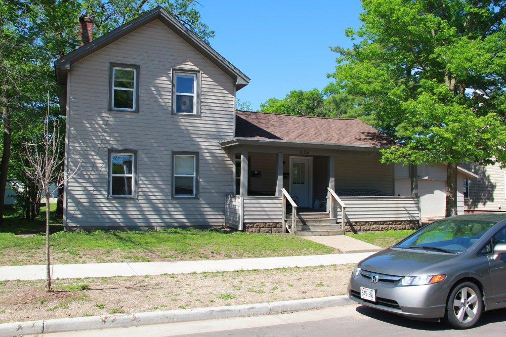 626 1 2 Menomonie St Uwec Student Apartment For Rent