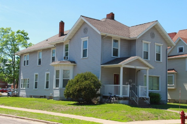 820 s barstow st apartment 5 uwec student apartment for rent 1 bedroom apartments in eau claire wi